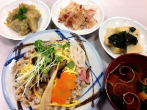 タケノコのバラ寿司