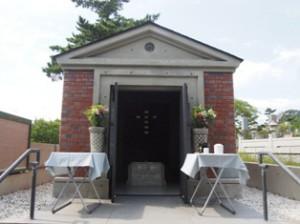 神戸栄光教会聖徒廟