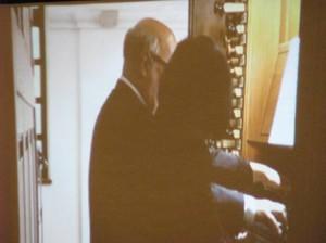 パイプオルガンの連弾!珍しい演奏会となりました。